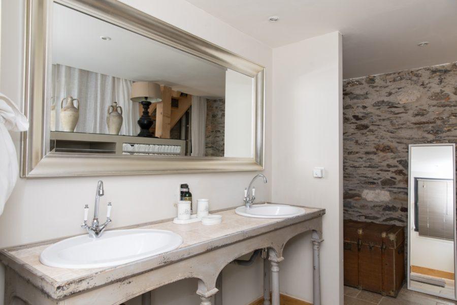 Les demeures de marie-Salle de bain suite numero 1