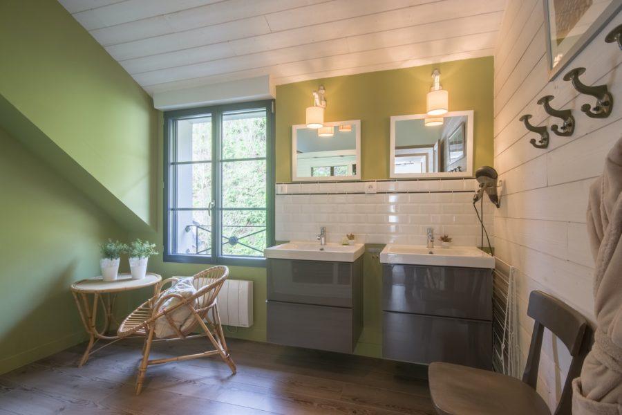 Salle de bain privative de la location Digue et Dentelle