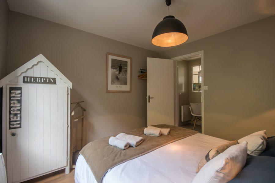 Chambre à coucher de la location CAP MOUTON proche de Paimpol Ile de Bréhat