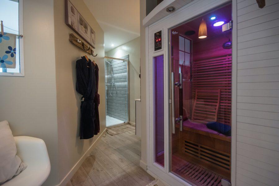 Sauna privatif dans votre salle de bain de la location CAP MOUTON à Binic