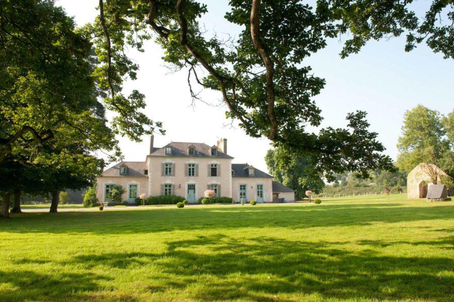 Maison chateau du pin extérieur
