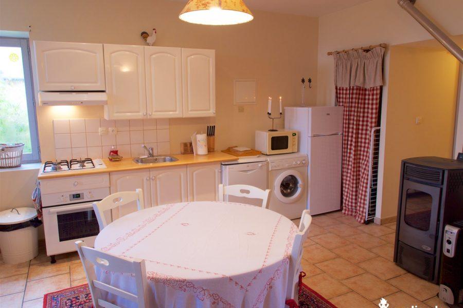 salon cuisine du Logis chateau du pin