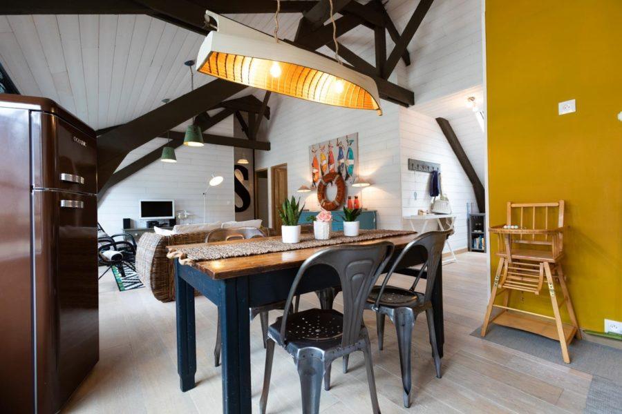 Espace-de-vie-plein-Sud-de-notre-location-de-vacances-Digue-et-Dentelle-Les-Maisons-de-Victoire-a-Binic-en-Bretagne