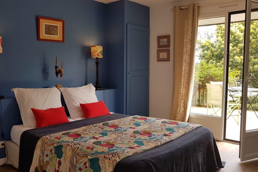 LArbre-Voyageur-maison-d_hotes-3-chambre-double-Bois-Flotte-avec-terrasse