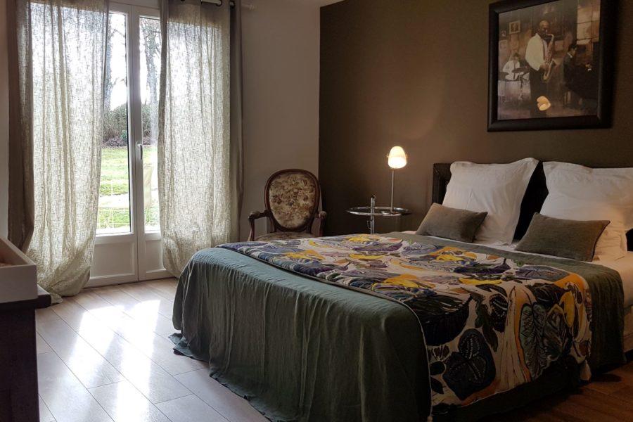 L_Arbre-Voyageur-maison-d_hotes-1-chambre-double-Bois-de-Lime-avec-terrasse