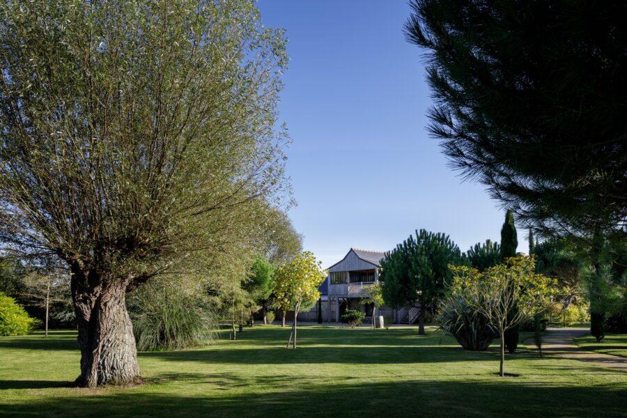 Un parc majestueux, respectueux de l'environnement calme et champêtre.